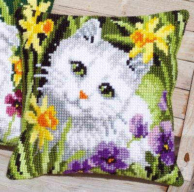Cross Stitch Kit: Cushion: White Cat in Daffodils by Vervaco