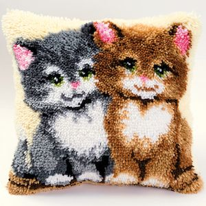 Vervaco  Two Kittens Latch  Hook  Cushion Kit
